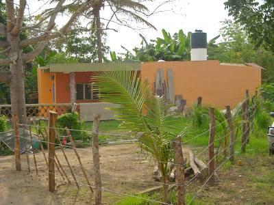 Orange_house_in_sayulita